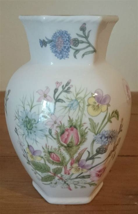 Aynsley Tudor Vase by 27 Best Images About Aynsley China On