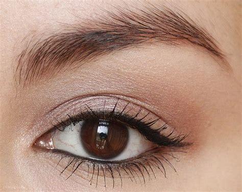 the paper mulberry cosmetics winged eyeliner subtle winged eyeliner beauty pinterest