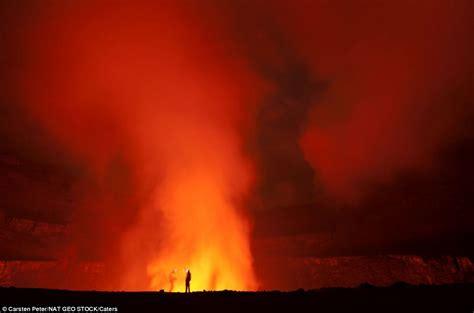 Mencari Batu Lava foto2 ekspedisi ke danau lahar terbesar di dunia kepri best