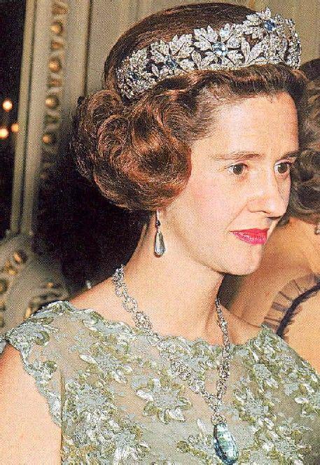 Fabiola Set fabiola with tiara and jewelry set royal jewels