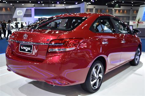 toyota vios  price  pakistan review full specs images