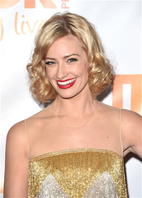 beth behrs hairstyle wavy medium beth behrs new haircut www imgarcade com online image