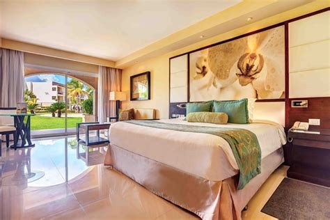 luxury rooms suites at our all inclusive resorts beaches hideaway at royalton punta cana all inclusive adults