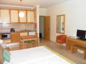 studio flat showing kitchenette area picture of solaqua apartments albufeira tripadvisor