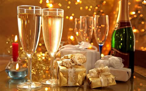 celebrate   year holiday gifts  wine glasses desktop backgrounds  wallpaperscom