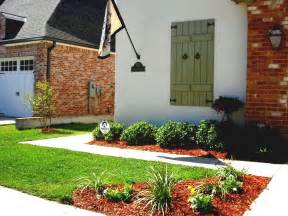 Small Front Garden Design Ideas With Small Front Yard Garden Designs Landscaping Decorated Unique Traditional Home