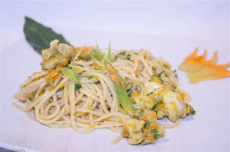 come cucinare pasta e zucchine spaghetti con pescatrice e zucchine ricette di cucina