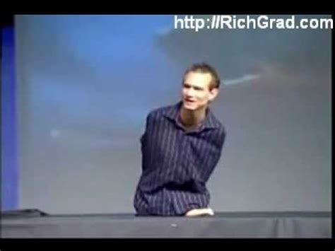 the man with no arms and no legs but living without limits nick vujicic no arms no legs no worries part 2 youtube