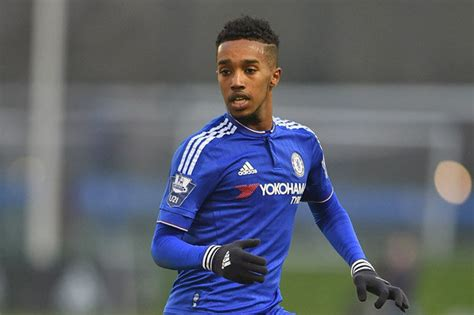 chelsea news now chelsea news 18 year old midfielder signs new contract