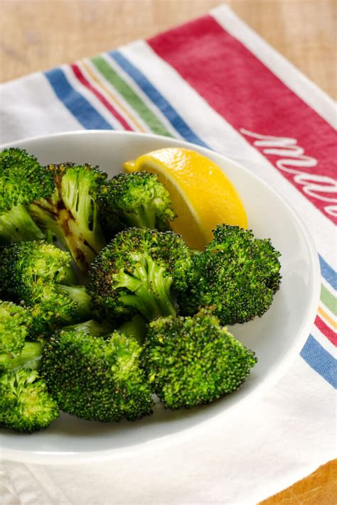 recipe garlicky roasted broccoli quick side dish simple garlic roasted broccoli cook eat paleo