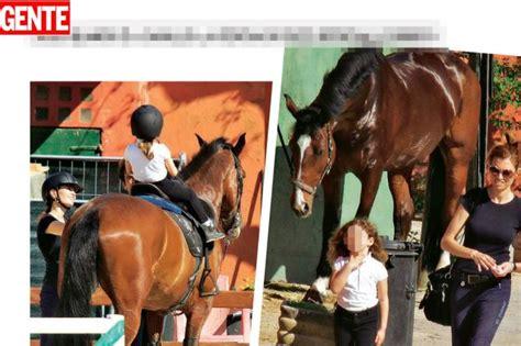 carlotta mantovan anni carlotta mantovan a cavallo con stella la figlia di