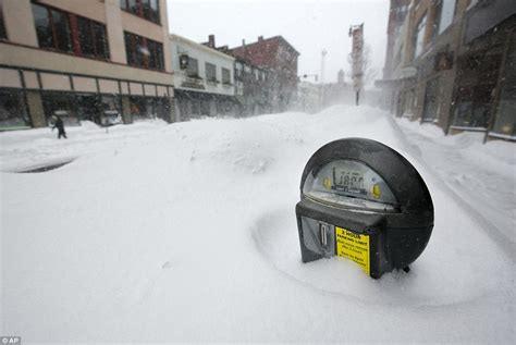 Portland Maine Records Winter Nemo Deadly Blizzard Dumps Of Snow Across East Coast Trapping