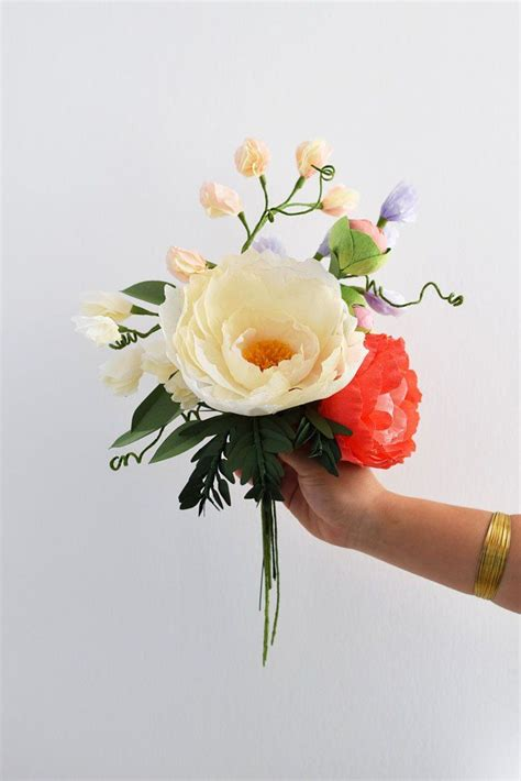 Flowers With Crepe Paper - 25 best ideas about crepe paper flowers on