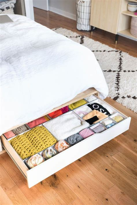 how to shop for bed sheets 22 ways to make your bedroom look more organized gurl com