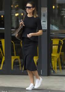 Look Chic While Grocery Shopping jesinta cbell swaps stilettos for sneakers with