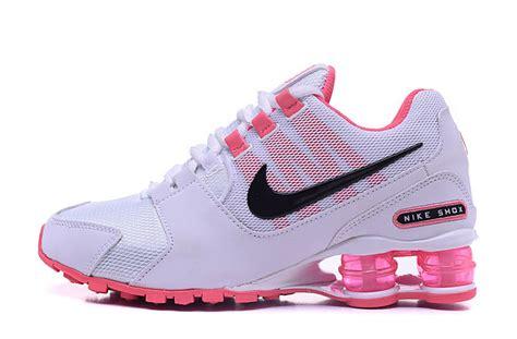 nikes womens sneakers nike shox nz hyper pink white black womens running shoes