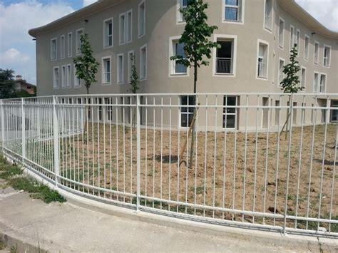 ringhiera giardino recinzioni metalliche recinzioni giardino recinzioni