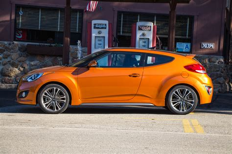 Hyundai Veloster Turbo 2017 by 2017 Hyundai Veloster Turbo Feigning Ferocity The