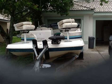 hurricane deck boat seats hurricane 198 r fundeck 2002 for sale for 7 000 boats