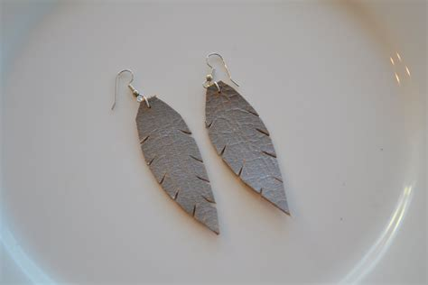 gt i handmade edition and diy leather feather earrings