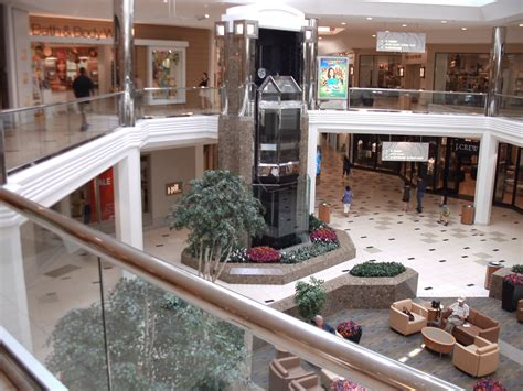 layout of 12 oaks mall file twelve oaks mall interior jpg wikimedia commons