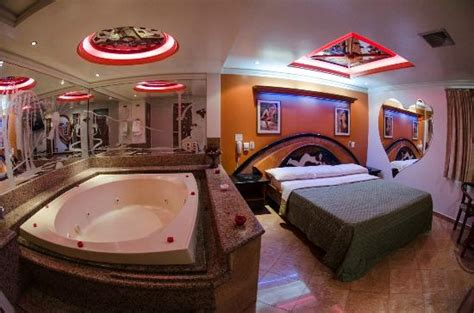 Hotels In Downtown Dallas With Tubs suite plus picture of hotel dallas caracas tripadvisor