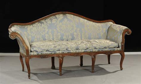 divano luigi xv divano luigi xv in noce intagliato xviii secolo