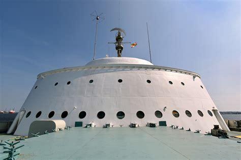 N s savannah world s first nuclear powered merchant ship