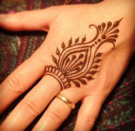 simple henna tattoo drawing 65 easy henna mehndi designs for starters bling sparkle