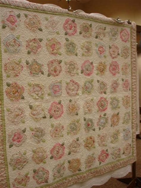 pattern for french rose quilt 1000 images about quilts on pinterest quilt hexagons