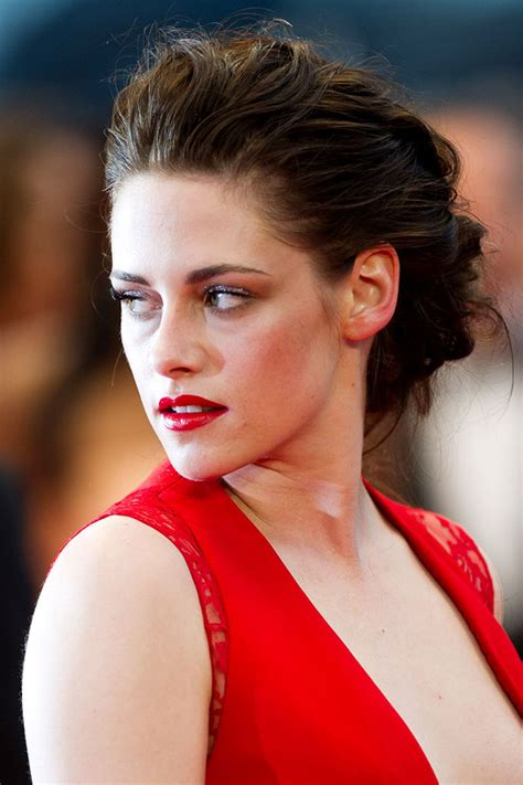 Vanity Number Search by Trend Red Lips Celebrities Wearing Red Lipstick