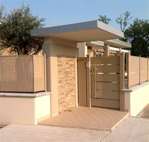 cancelli ingresso cancello con ingresso pedonale pasolini lattoneria