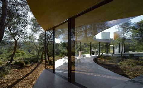 office kgdvs design  solo house  christian bourdais