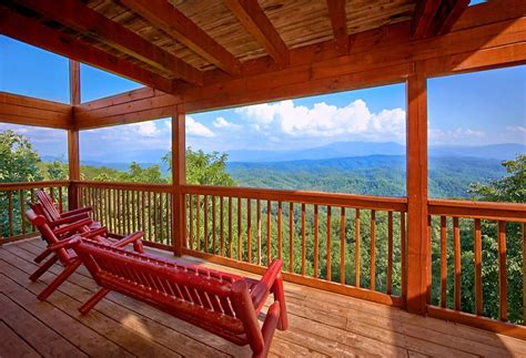 Majestic Cabin In Pigeon Forge Tn by The Majestic 8 Bedroom Cabin Rental In Pigeon Forge Tn