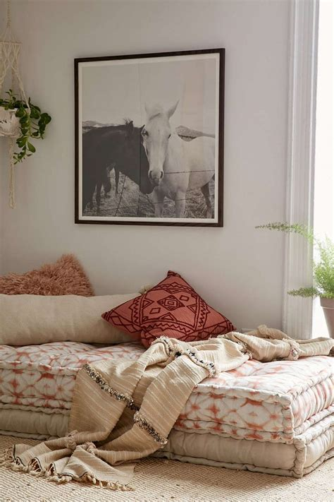 to make the bed in spanish 17 ideas about bohemian bedroom decor on pinterest