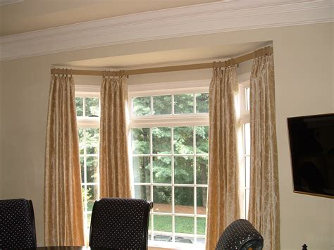 Window Treatment For Bow Window best curtain rods for bay windows homesfeed