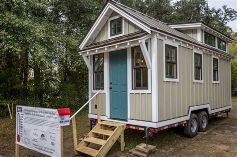 tiny house builders people building tiny homes for flood victims in south carolina