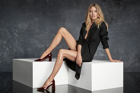 exclusive martha hunt is new face of marc fisher ltd instyle com