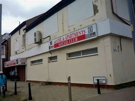 swinging hotel blackpool hotel and apartments social club blackpool england top