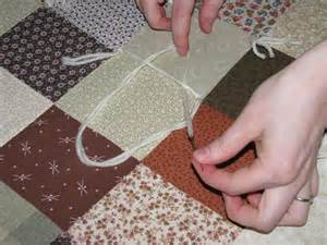 floralshowers tutorial how to tie a quilt