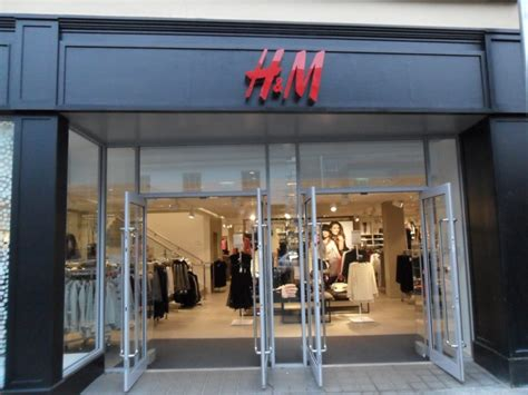 h m in st