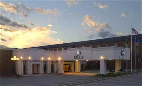 grand rapids mi airport hilton grand rapids airport grand rapids deals see