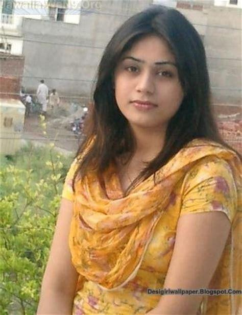 wallpaper girl ke india s no 1 desi girls wallpapers collection hubpages