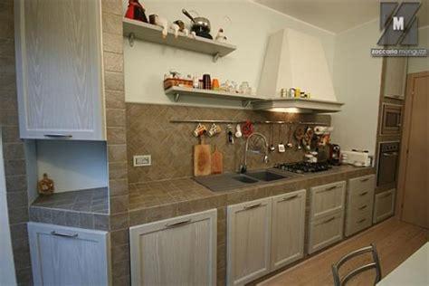 cucine poco costose cucina in muratura moderna