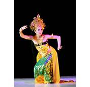 Bali Dances From The Beautiful Island Of Including Tari Pendet