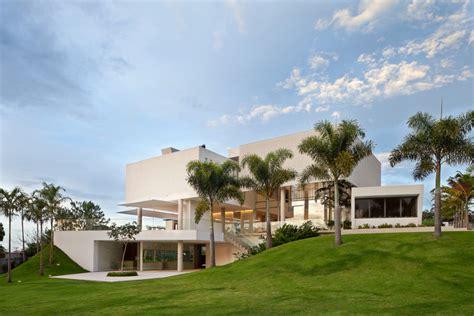 Villa Home Design Usa Material Focus House In Lago Sul Qi 25 By S 233 Rgio Parada