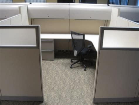 Knoll L by Knoll L Shaped Workstation W Frosted Privacy
