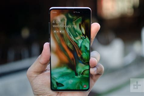 oneplus 7 pro vs samsung galaxy s10 plus which android powerhouse is for you