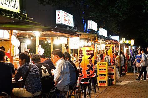 fukuoka travel food stalls yatai yatai in fukuoka good food new friends and great conversations japan info