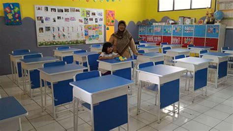 tata ruang kelas dalam belajar meja dan kursi belajar serta lab baru yapenka yapenka 62